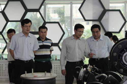 Sanshui délégation du gouvernement du district pour visiter notre entreprise d'orientation